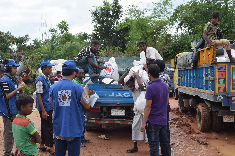 Relief Distribution at Moniar ghona 2, Uhkia, Coxs Bazar- 3