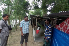 RDRajshahi Talking with flood affected people001
