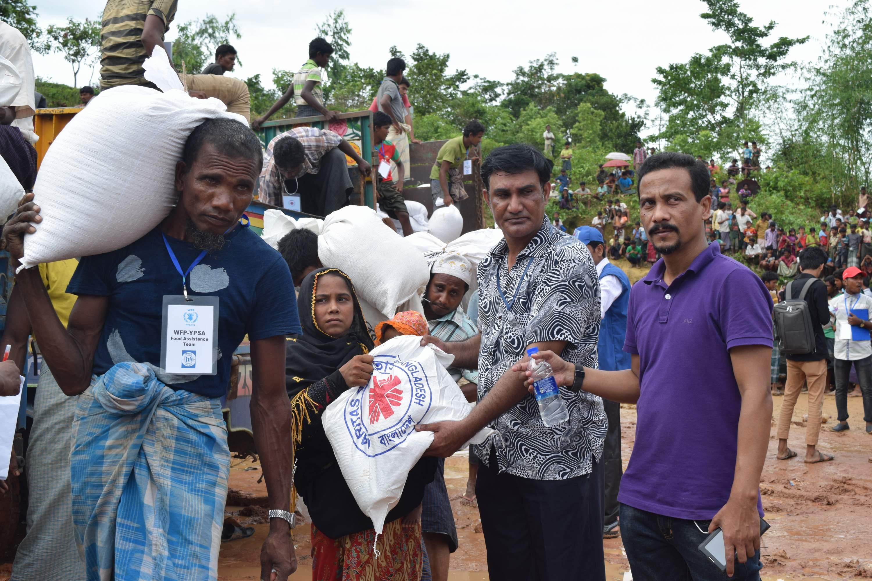 Relief Distribution at Moniar ghona 2, Uhkia, Coxs Bazar- 5
