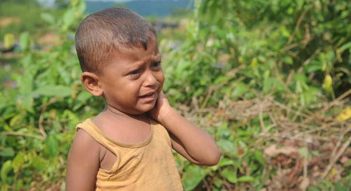thumbnail_Barbed wire (Rohingya refugees-) (3)